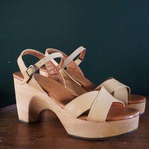 vtg 70s woodworks clog platform heels